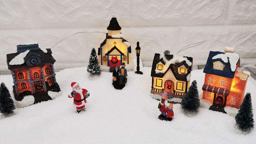 10 Best Christmas Villages Reviews For 2020
