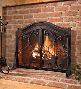 7. Plow & Hearth Small Crest Fireplace Screen